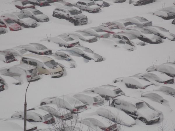 киев в снегу, снег в киеве, киев замело, киев засыпало снегов, пробки в киеве, сильный снег киев